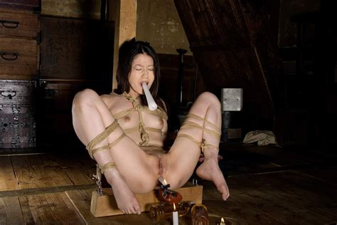 Photos of a woman trying to make it in japans rope jpg 2560x1707