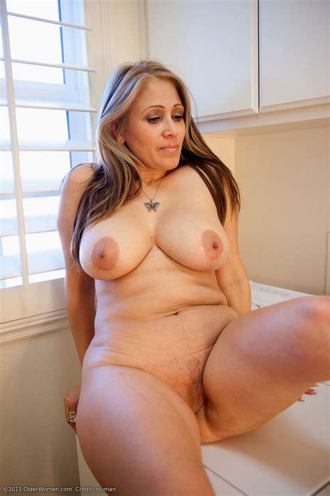 gigantic naked woman jpg 1441x2165